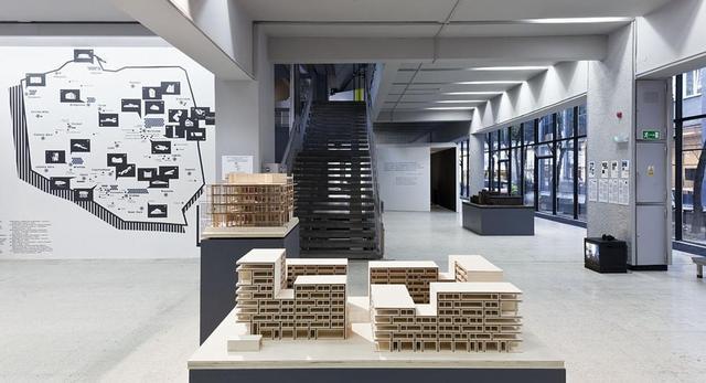 """Muzeum Sztuki Nowoczesnej w Warszawie, wernisaż wystawy """"Kolekcja Architektury-murator"""""""